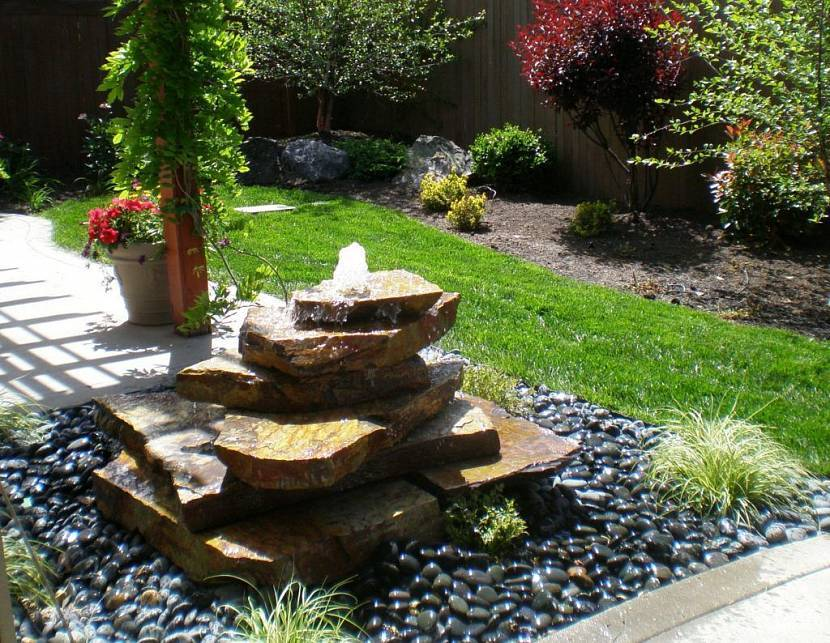 Искусственный водопад (64 фото): ландшафтный дизайн дома, декоративный фонтан на даче своими руками