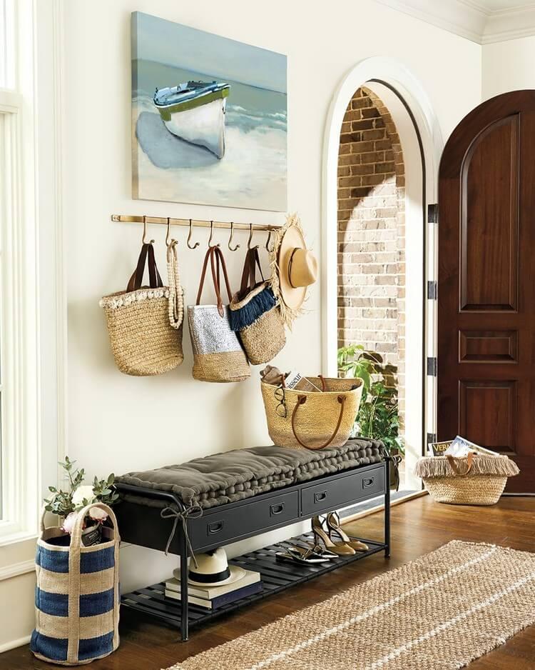 Банкетка в прихожую (124 фото): банкетки-пуфы с сиденьем и со спинкой, кованые узкие модели с ящиком и полками для хранения, банкетки-диванчики