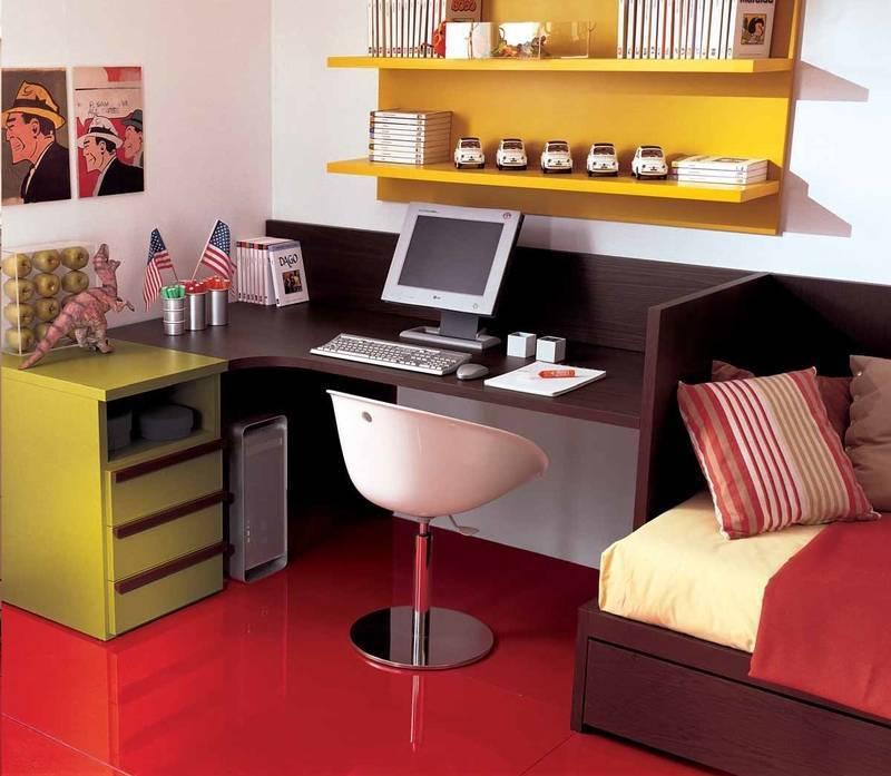 Варианты выбора стола в интерьер детской комнаты