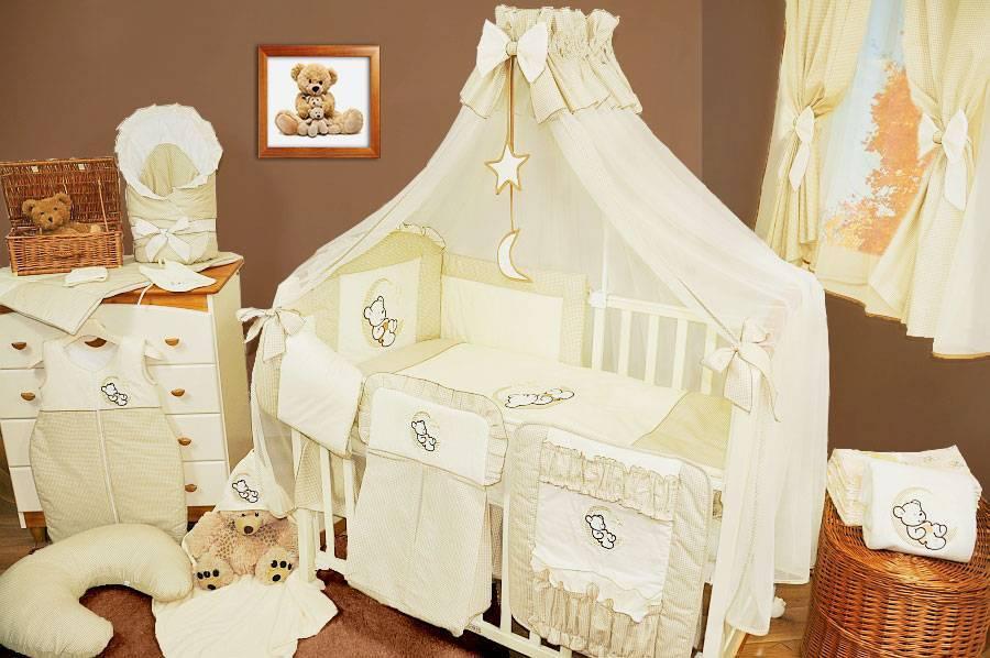 Особенности и описание кроватей с балдахинами