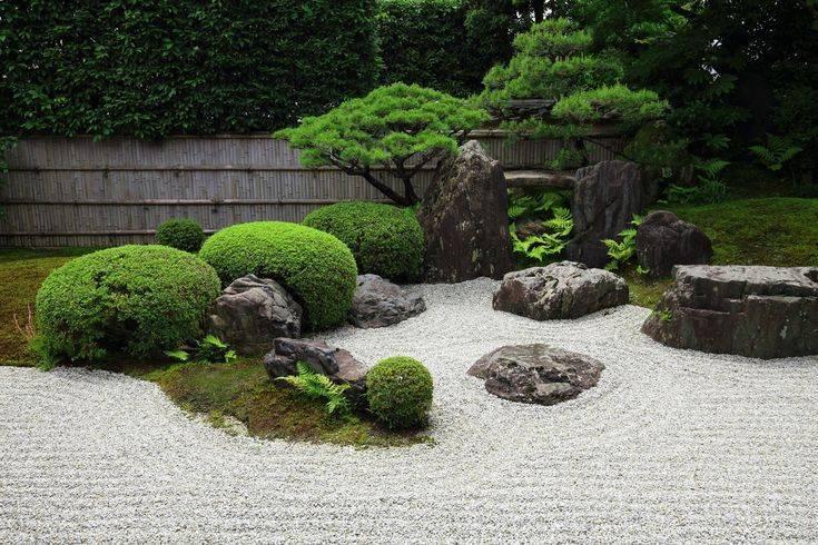 Декоративные камни для сада - 55 фото, как обустроить сад