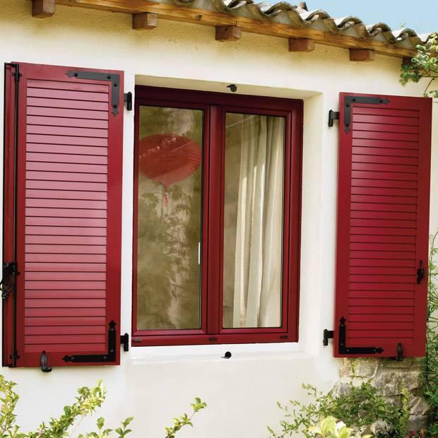 Ставни на окна,  плюсы и минусы установки ставней на окна, виды ставней для окон по материалам