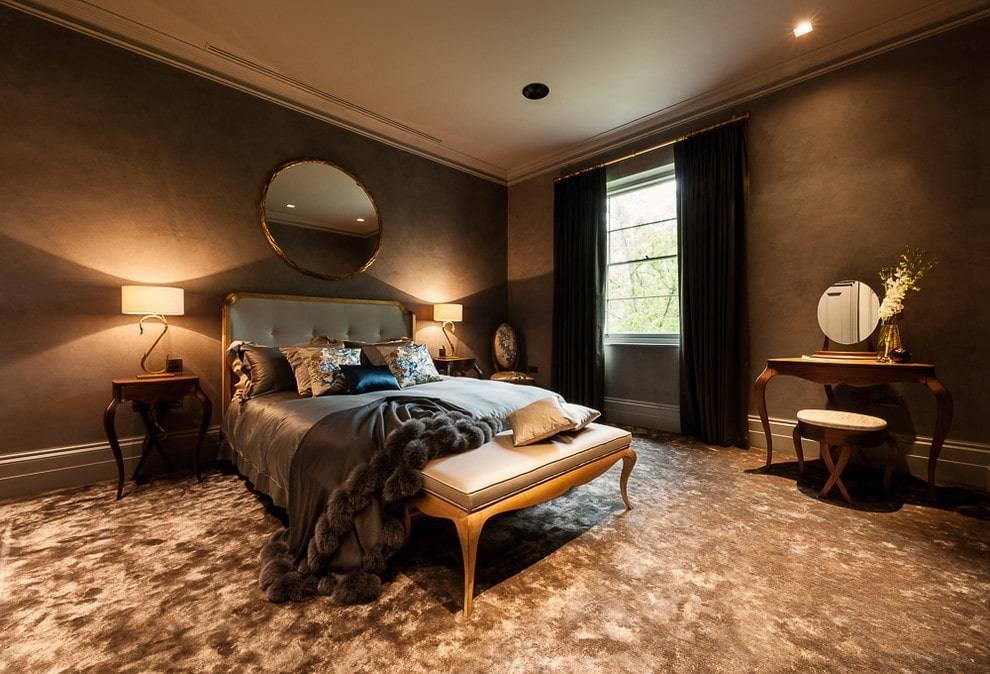 Спальня с темной мебелью (55 фото): дизайн спальни с черной и коричневой мебелью. как выбрать шторы и подобрать обои для интерьера с мебелью цвета венге и других темных оттенков?