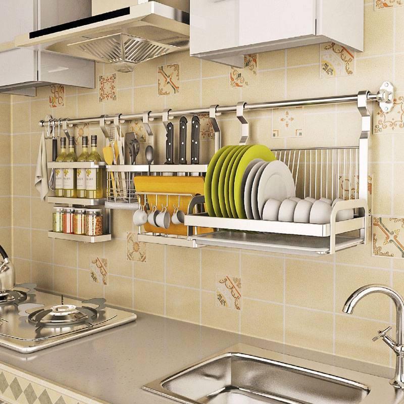 Рейлинги для кухни: как правильно выбрать, установить, повесить полки и крючки, фото в интерьере