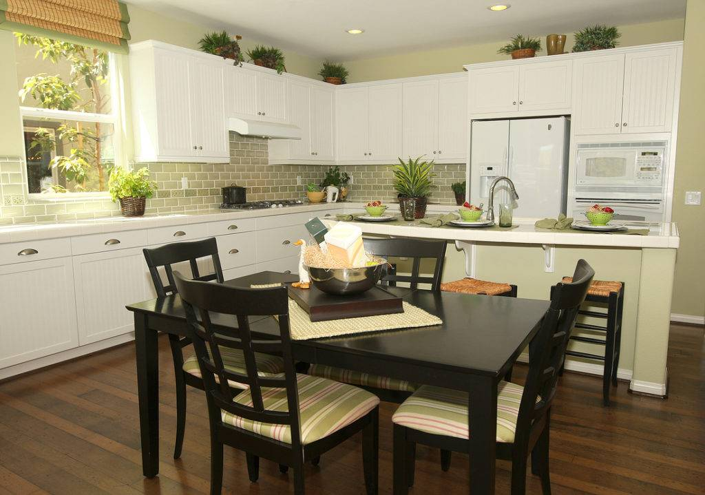 Дизайн малогабаритной кухни: фото реальных интерьеров