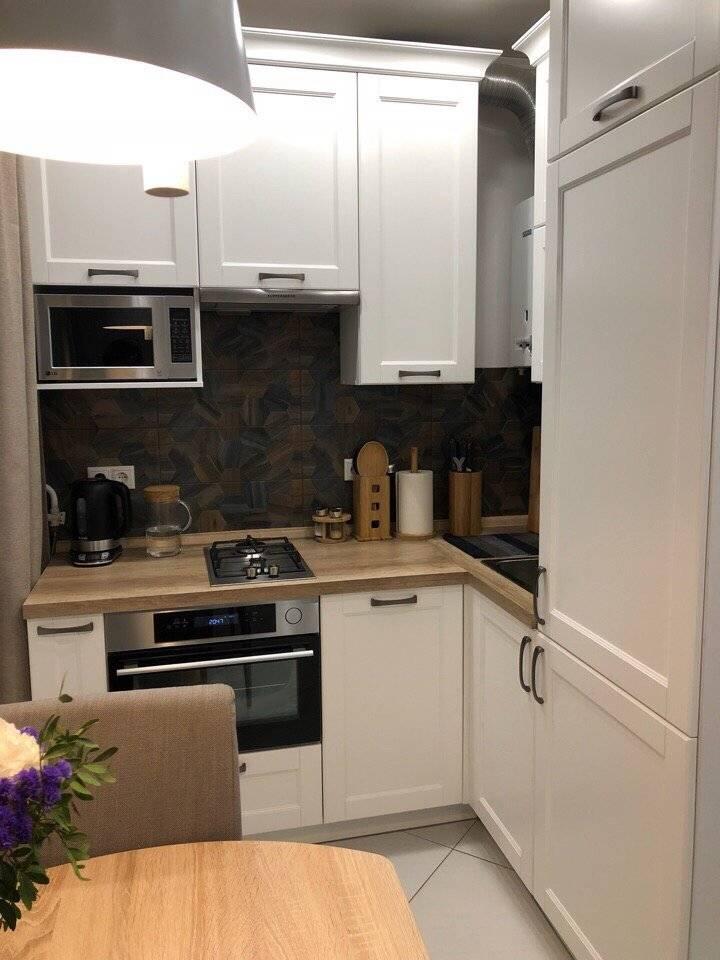 Дизайн кухни 6 кв. м (92 фото): идеи ремонта в маленькой комнате 6 квадратных метров, варианты интерьера и секреты удачного дизайна, планировка с кухонным гарнитуром и другой мебелью
