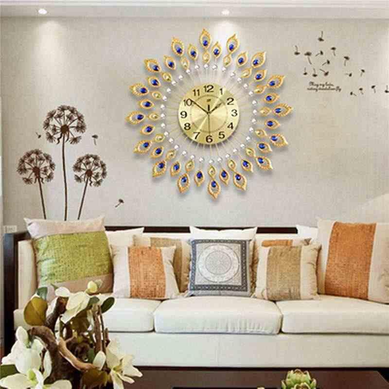 15 лучших идей для оформления стены в гостиной над диваном