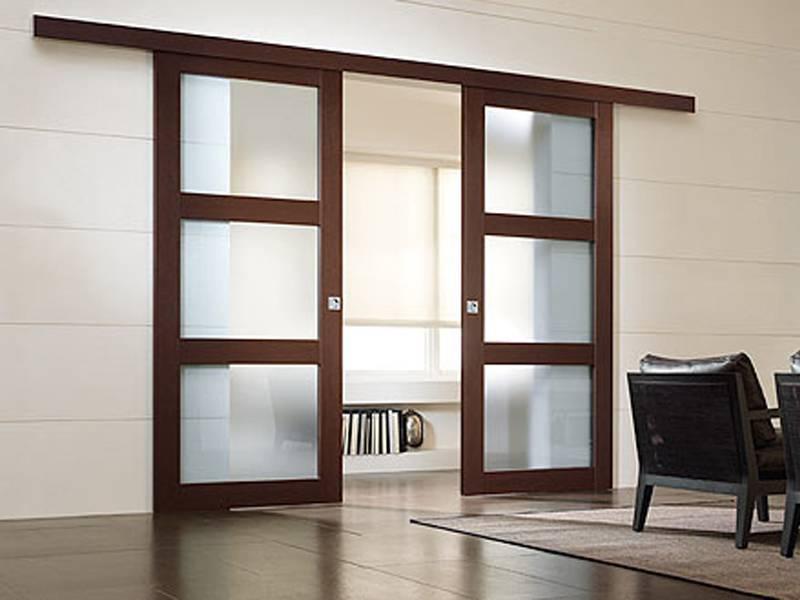 Раздвижные межкомнатные двери: виды, особенности, установка