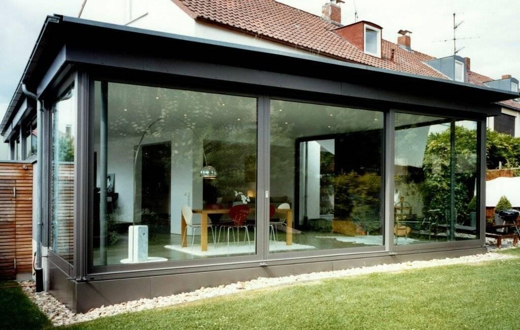 Остекление веранды: стеклянная на даче, разновидности конструкций, рекомендации по установке