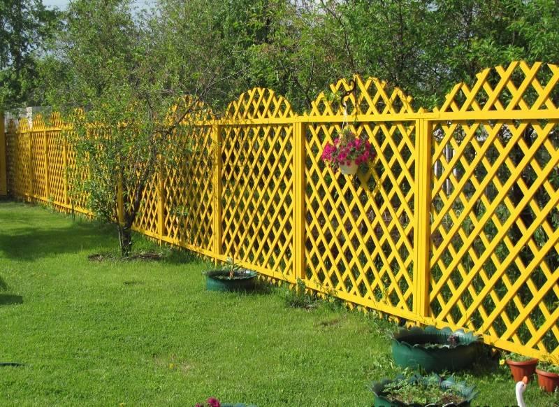 Деревянный забор своими руками: 95 фото лучших идей сборки и установки