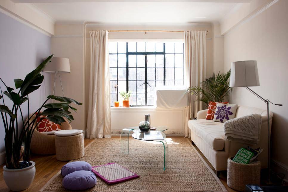 Интерьер маленькой гостиной (99 фото): современные идеи - 2021  оформления комнат в квартире, дизайн интерьера небольшой зала
