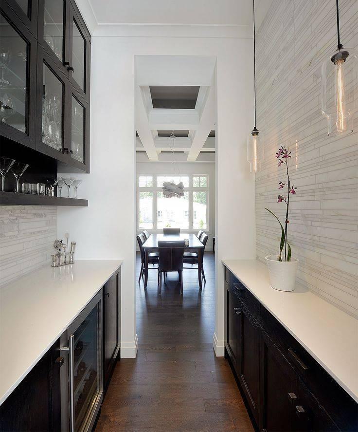 Узкая кухня: 15 советов по оформлению
