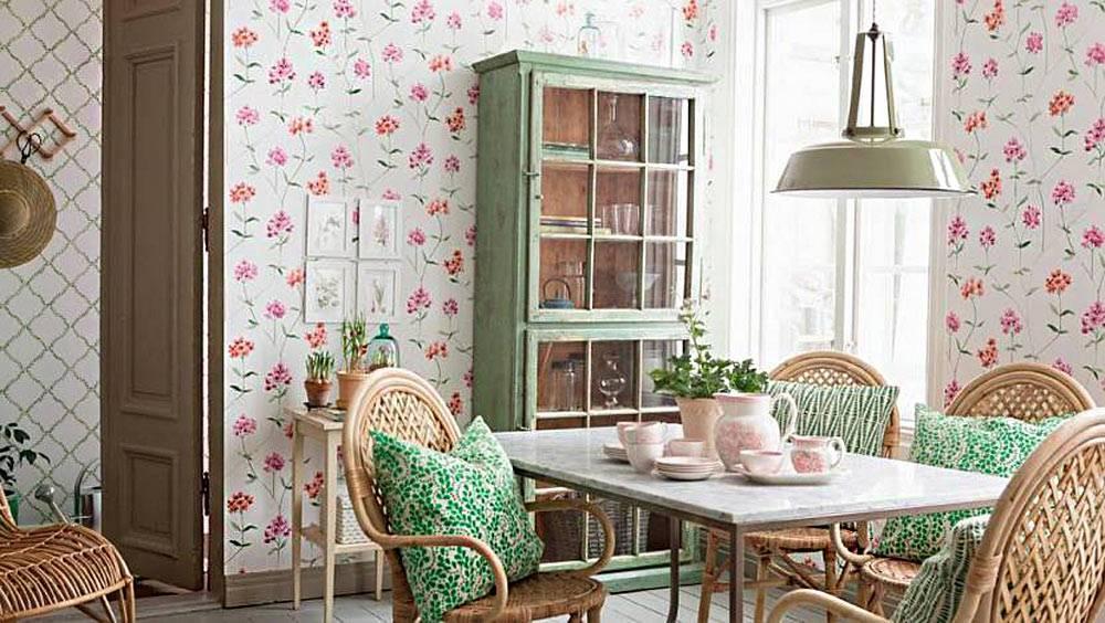 Обои в стиле прованс (60 фото): фотообои на кухню и в интерьере прихожей, виниловые обои с лавандой на стену в гостиной и другие варианты