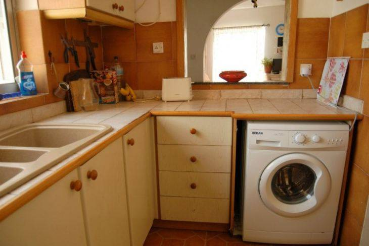 Как встроить стиральную машину под столешницу