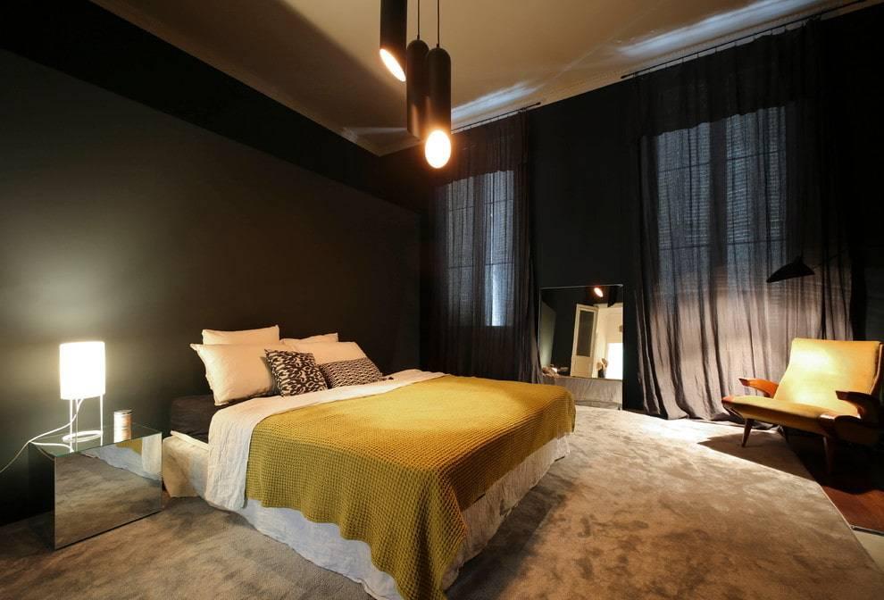 Темная мебель в дизайне спальни – стильная игра на контрасте