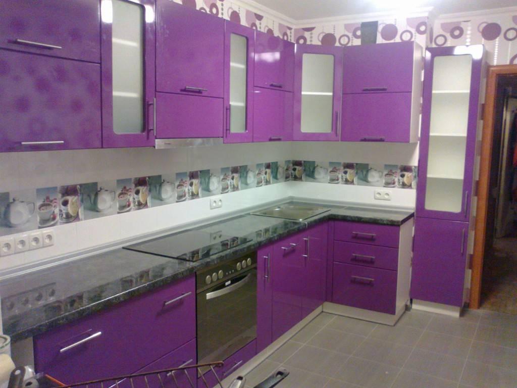 Кухня в фиолетовых тонах: цвета сирени и фиалки
