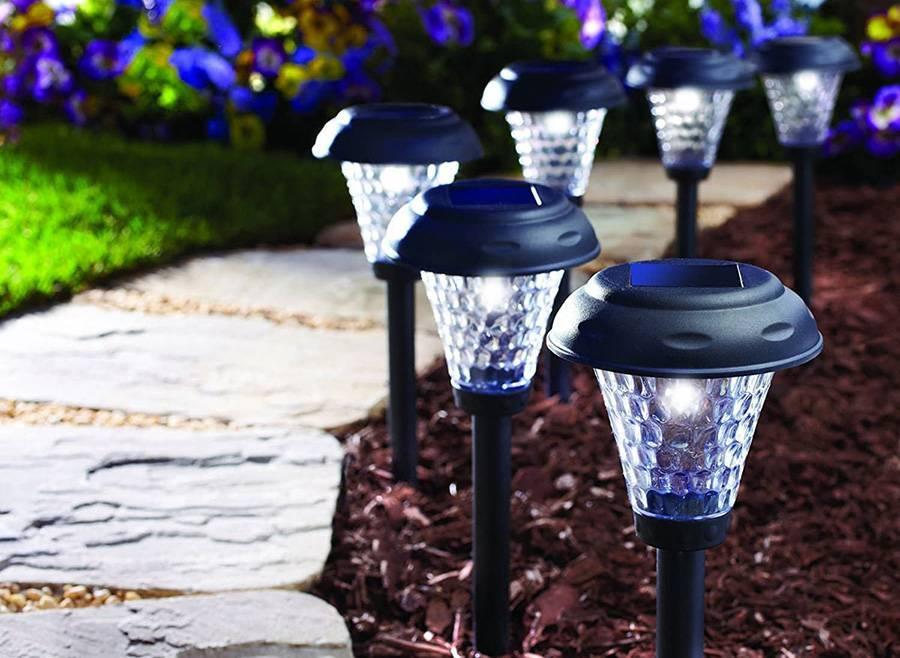 Солнечные светодиодные лампы для сада. 80 фото примеров декора сада