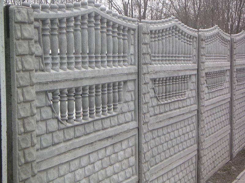 Декоративный бетонный забор: красивые варианты оформления