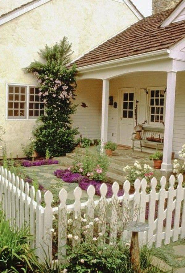 Как оформить красивый палисадник перед домом своими руками?