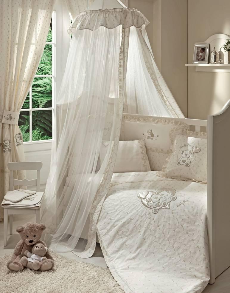 Балдахины на детскую кроватку: какие бывают и в чем их особенности?