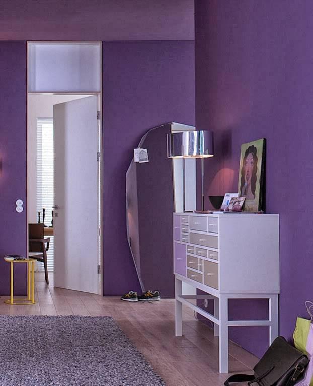 Обои фиолетовых тонов в интерьере