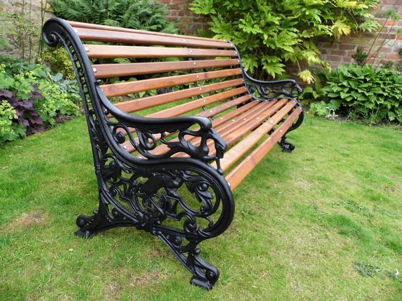 Скамейки для загородного дома и дачи. 40 фото.