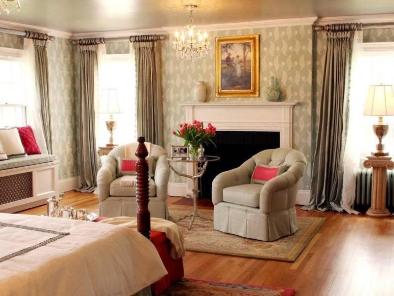Зал с двумя окнами: дизайн интерьера, фото, выбор стиля, отделки и штор на два окна в зале