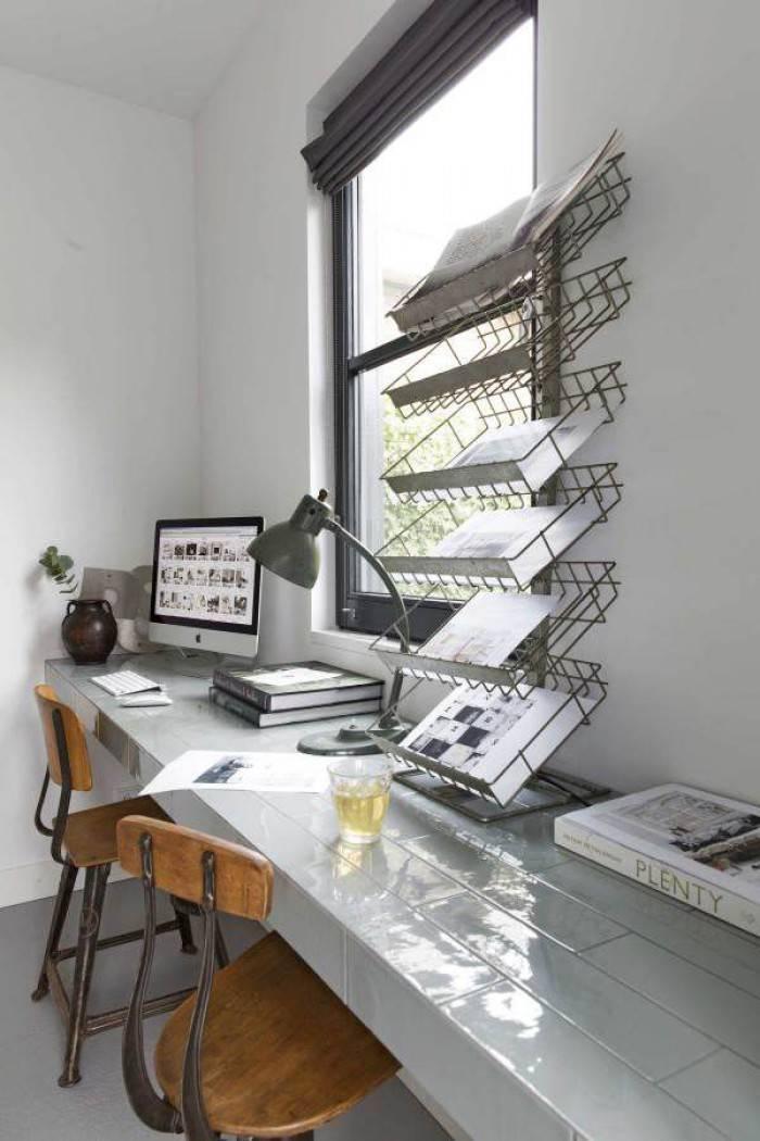 Преимущества использования стола-подоконника в современных интерьерах