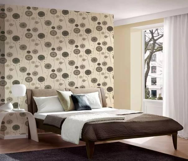 Рекомендации: как красиво, интересно и стильно поклеить обои в спальне