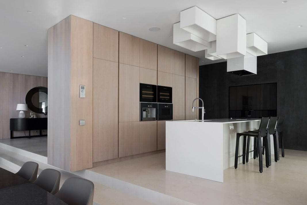 Характерные черты дизайна кухни в стиле хай-тек, цветовые решения и особенности отделки