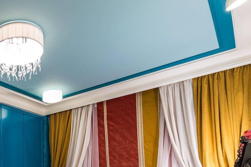 Скрытая гардина на натяжном потолке: поясняем во всех подробностях