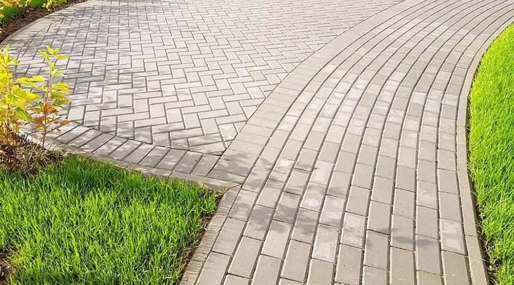 Красивые дорожки в саду на даче из тротуарной плитки