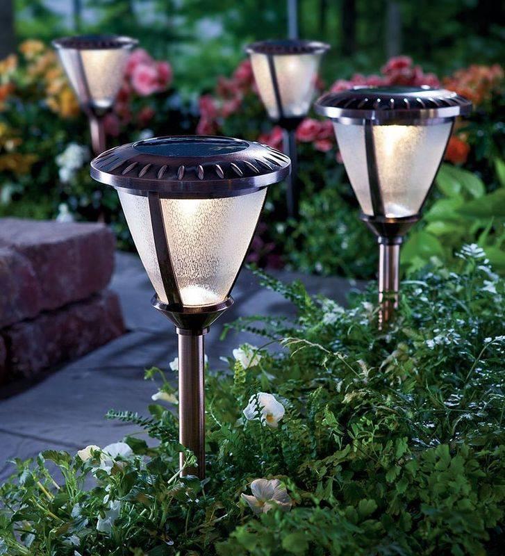 Садовые фонари в ландшафтном дизайне, виды, характеристики, нюансы выбора