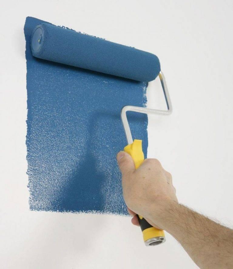 Советы как красить обои для стен под покраску - mastack.ru
