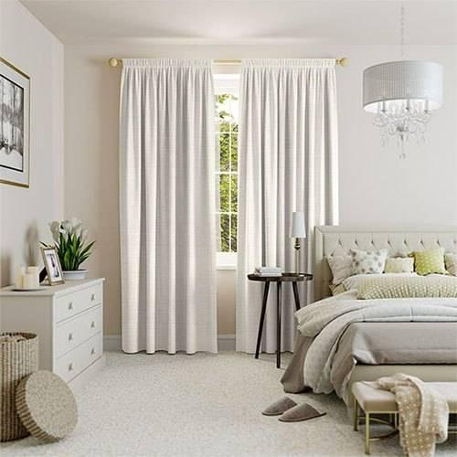 Стиль и гламур – розовая спальня для настоящих модниц