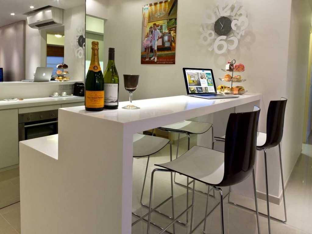 Дизайн маленьких угловых кухонь (28 фото): с барной стойкой
