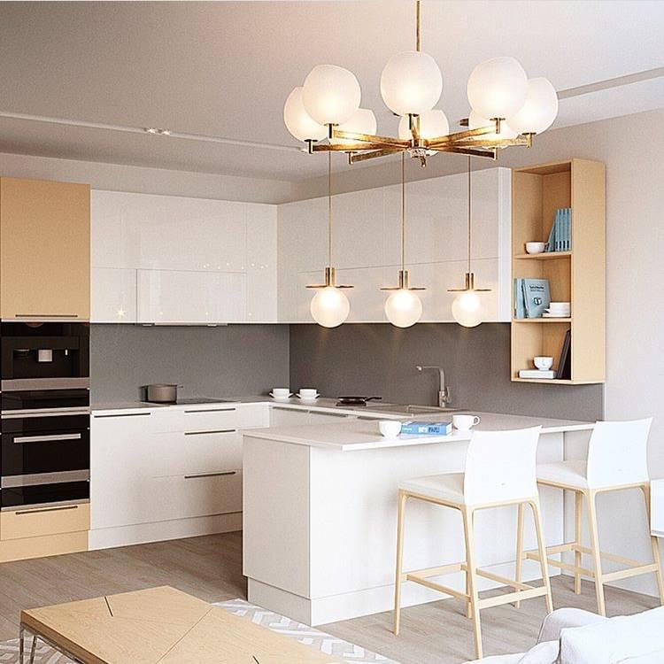 Белый интерьер кухни: современный дизайн интерьера с техникой и мебелью в светлых тонах для маленькой кухни с деревянной столешницей