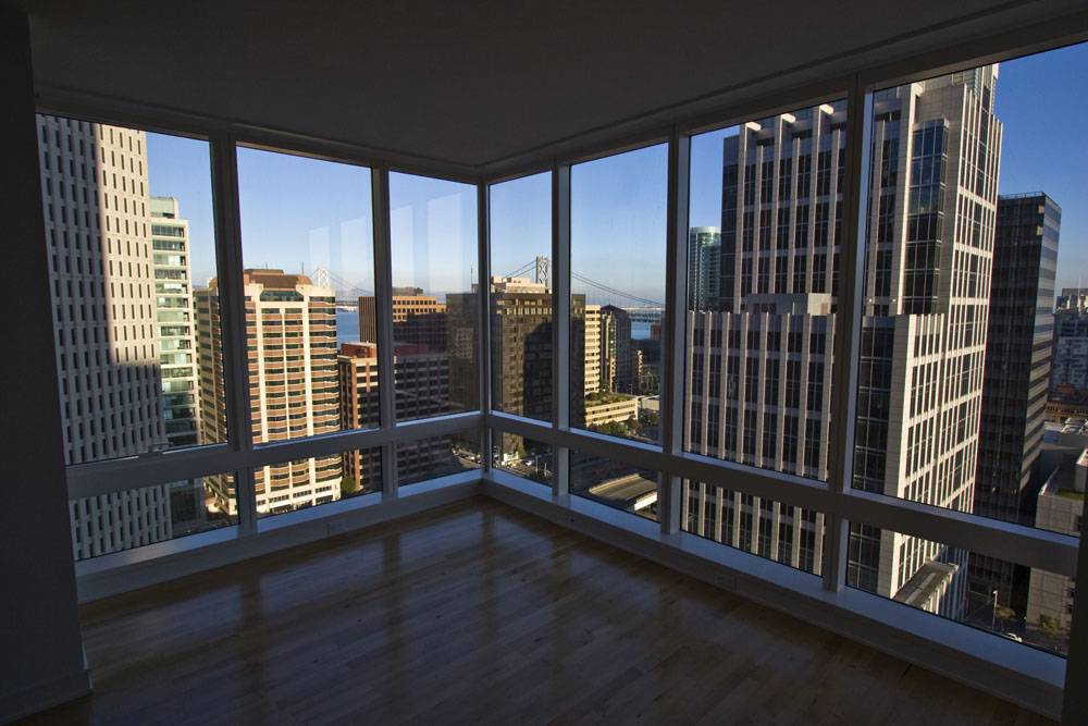 Стоит ли покупать квартиру на последнем этаже в 2021 году?