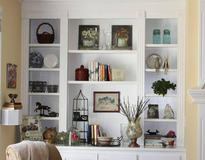 Применение стеллажей в интерьере дома