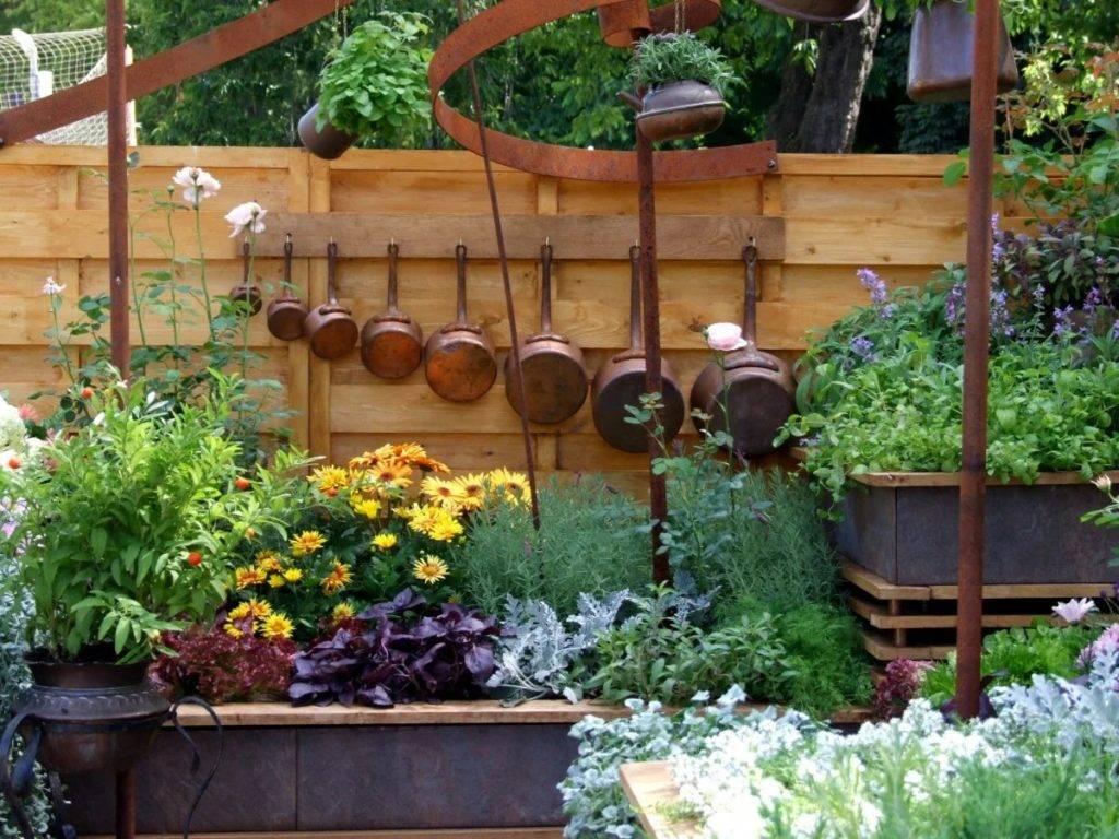 Красивые украшения для сада: 105 фото необычных и стильных вариантов оформления сада