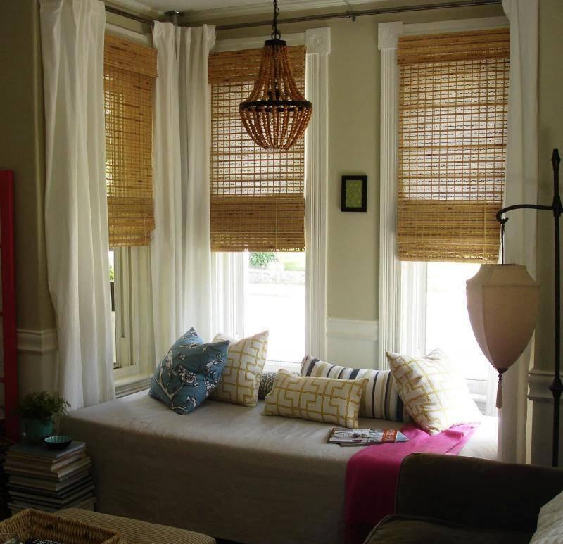 Современные тенденции оформления окон занавесками в жилой комнате