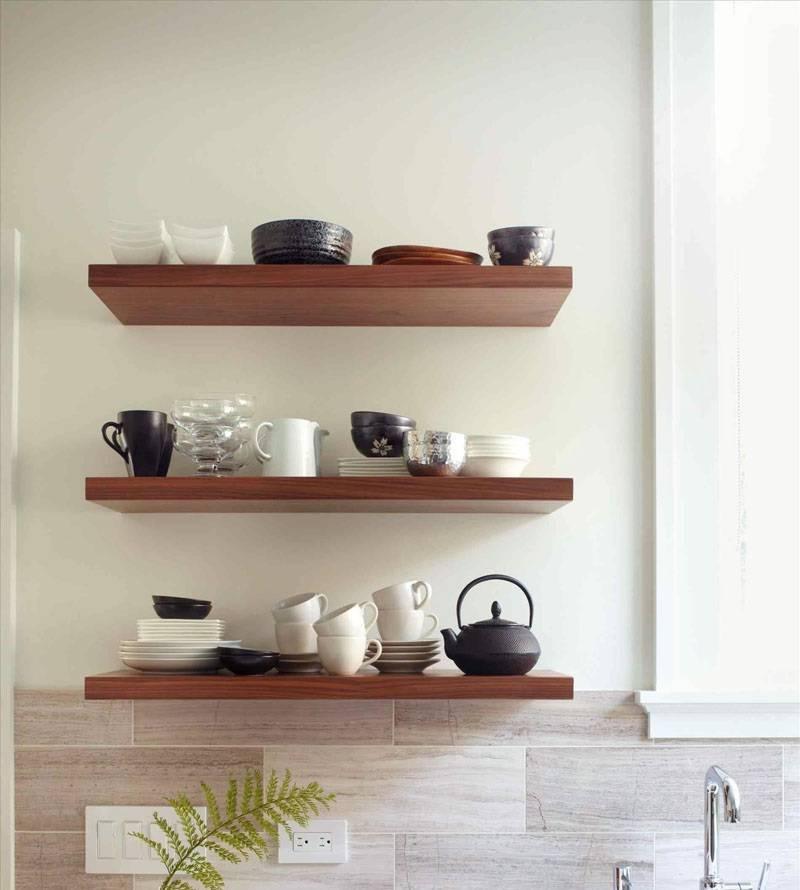 Вместо шкафов: 7 стильных кухонь с открытыми полками