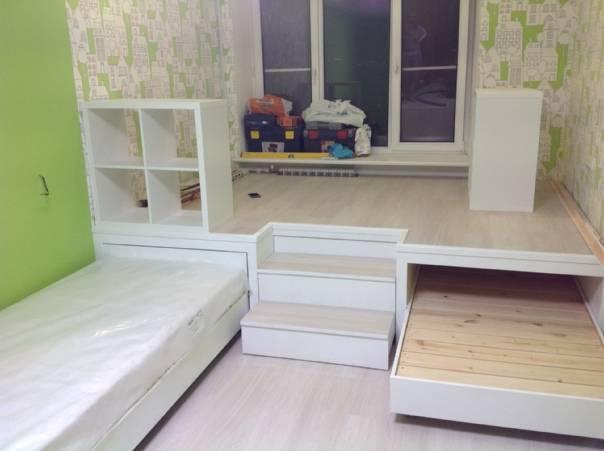 Варианты оформления подиума для детских комнат