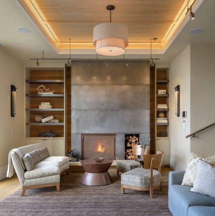 Натяжные потолки для зала: выбор материала и стиля
