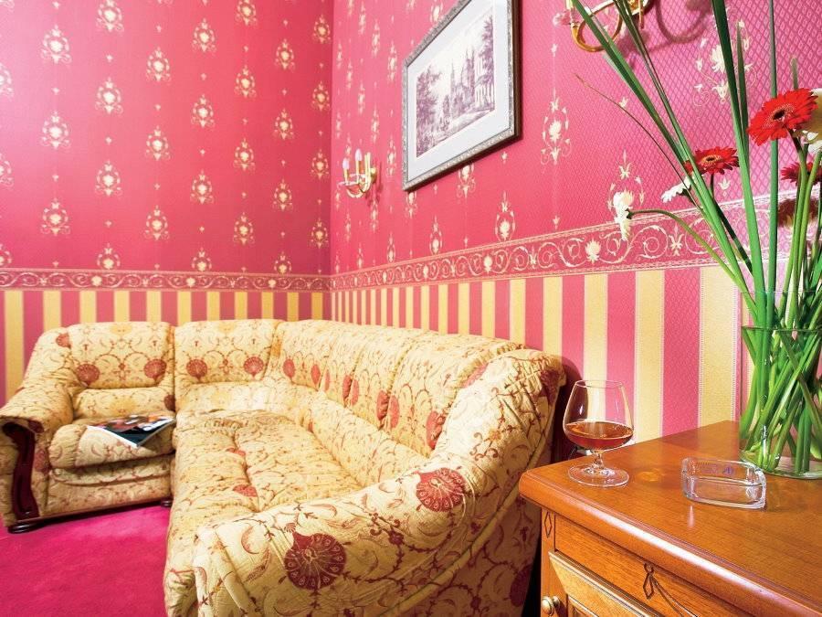 Обои-компаньоны: 13 фото с удачными примерами оформления комнат