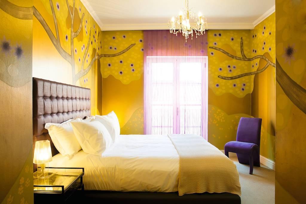 Спальня в сиреневых тонах, особенности интерьера с фото