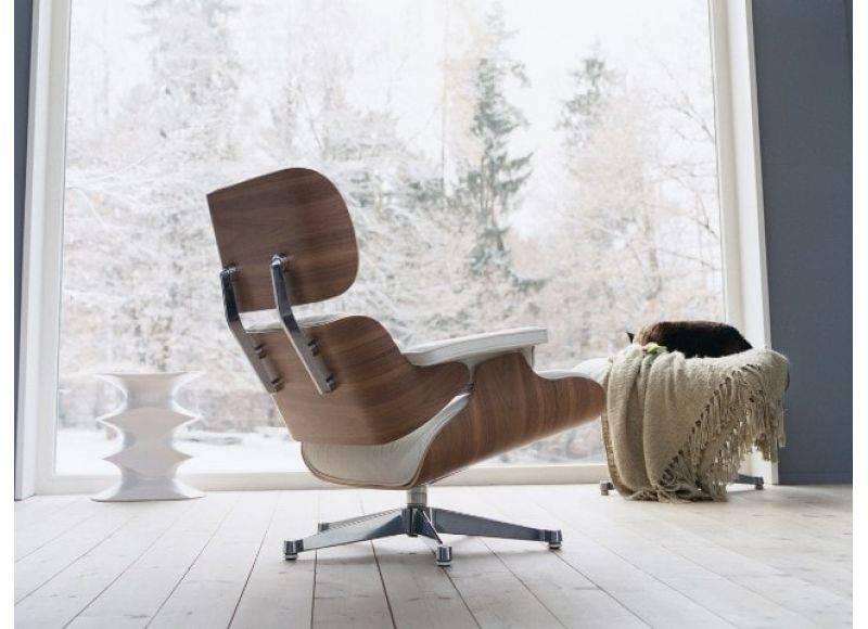 Кресло в гостиную, оригинальные формы, материалы и расцветки