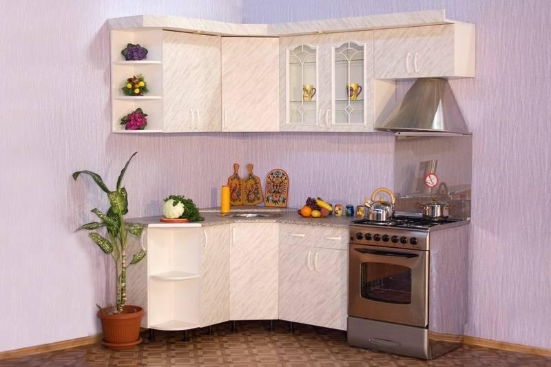 Угловые кухни эконом-класса (42 фото): характеристики готовых модульных кухонь. бюджетные малогабаритные кухонные гарнитуры