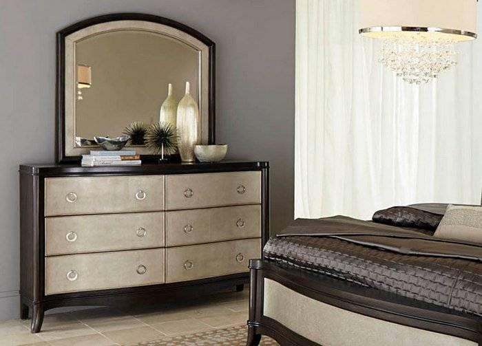 Комод с зеркалом в спальню: тумба из натуральной древесины с выдвижными ящиками
