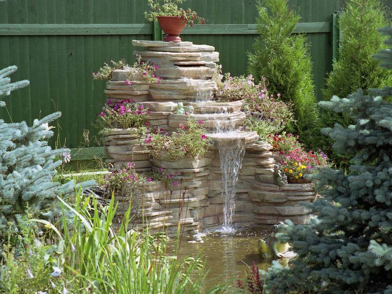 Садовый фонтан на даче — энергия воды и красоты!